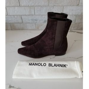 MANOLO BLAHNIK brown suede ankle boots